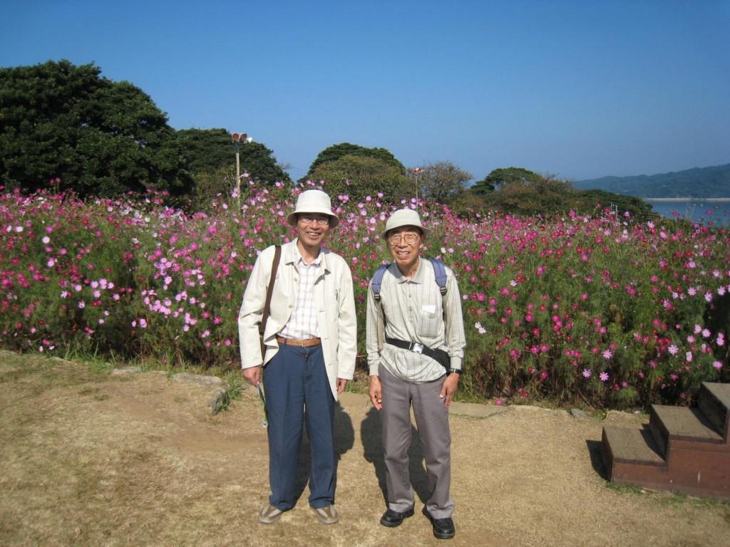 写真は昭七先生と2008年10月11日に博多湾にある能古の島にご一緒した時の写真です。